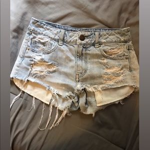 American eagle distressed shorts.